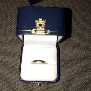 Jewelry - 14k White Gold Size 4.5 wedding band 💍🧖🏼♀️